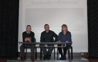 JOsé D. Aliaga, Joan Padrós y Cati Romero durante la jornada presencial realizada en el CES Joan maragall de Badalona (Barcelona).