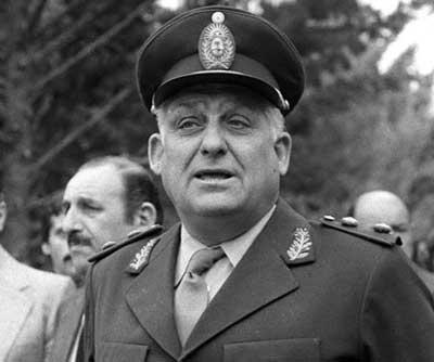 Albano Eduardo Harguindeguy, militar y ministro de interior de Argentina.