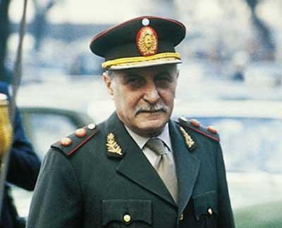 Roberto Eduardo Viola, militar y presidente argentino.