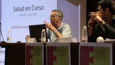 """José D. Aliaga, director del Programa """"Salud en Curso"""", durante su intervención presencial como ponente y conductor de las actividades desarrolladas en el IES Batalla de Clavijo de Logroño"""