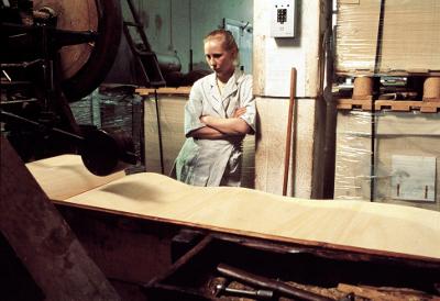 La chica de la fábrica de cerillas (1990) de Aki Kaurismäki